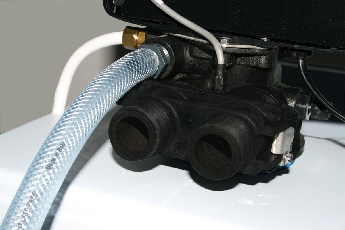 montage-enthaertungsanlage-abwasserschlauch